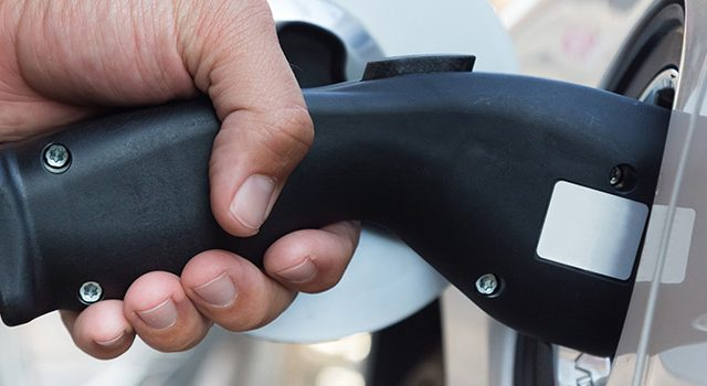 Pengisian daya kendaraan listrik
